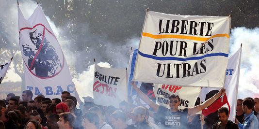 3520624_3_6b21_une-manifestation-d-ultras-le-13-octobre-2012_90d90ba8e97b00c32e20752c997ab047